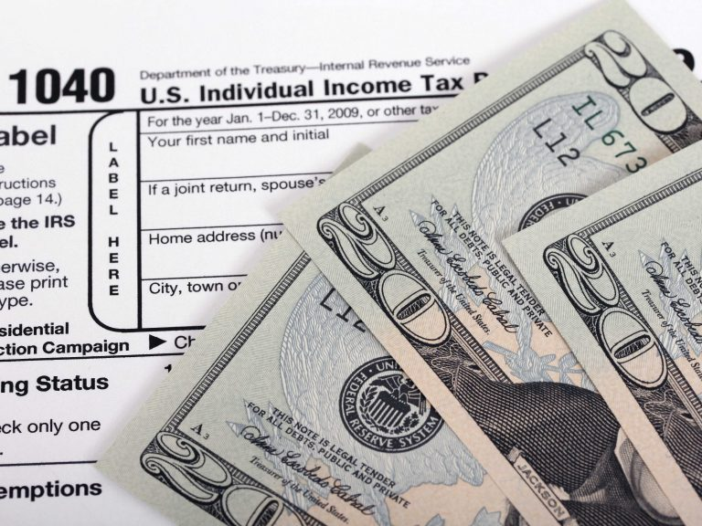 4 Ways to Spend (and not spend) Your Tax Return Money