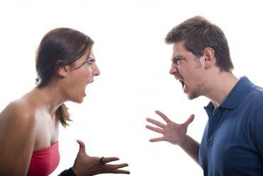 Fighting-Couple over money