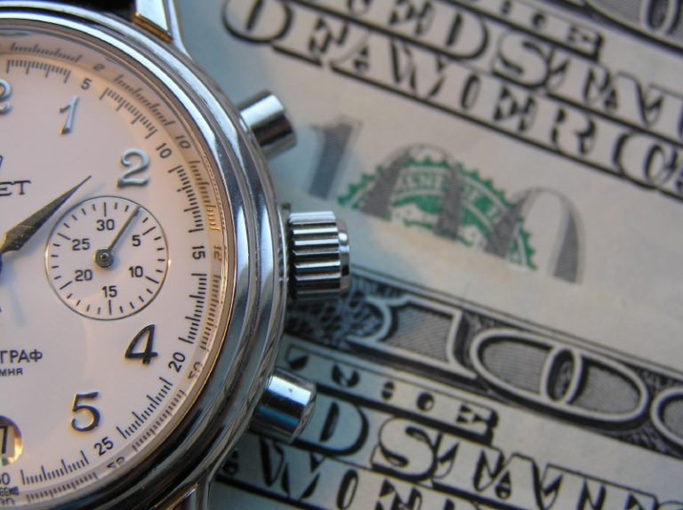 8 Quick Ways To Determine If You're In Denial About Money